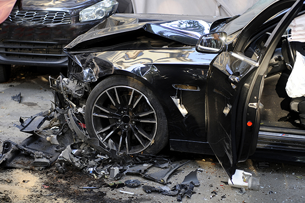 we help with car collision repair and provide warranty